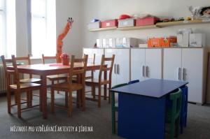 Místnost pro vzdělávací aktivity a jídelna
